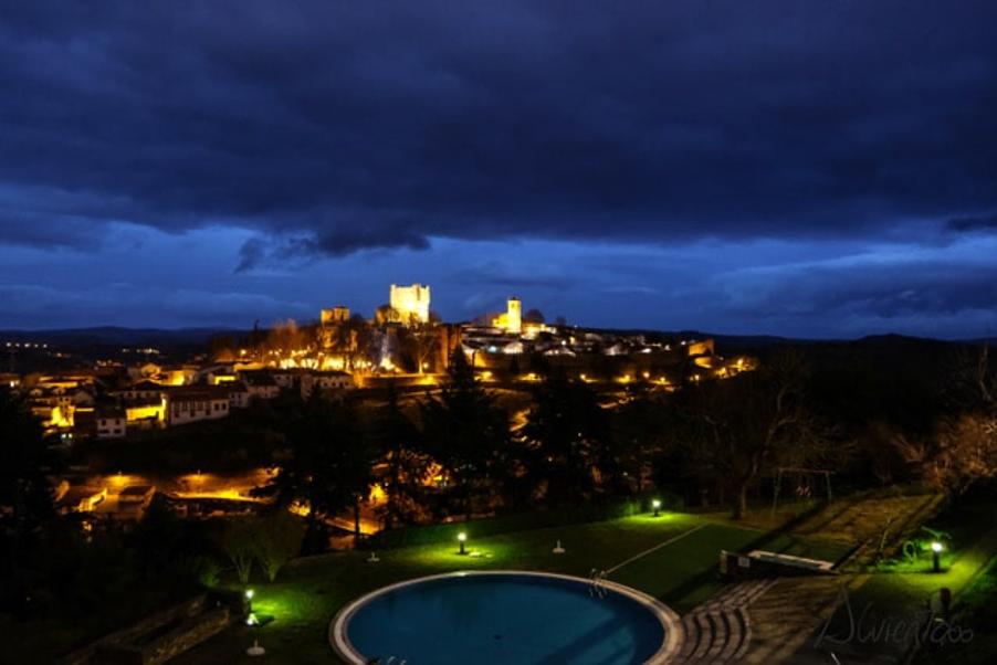 vista nocturna de Bragança