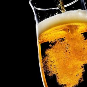 tirando bien la cerveza